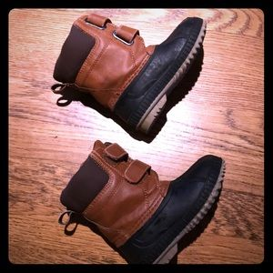 GAP waterproof boots